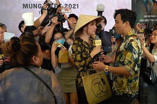 """Tin tức giải trí mới nhất ngày 5/12: Hari xông vào họp báo phim của Trấn Thành để """"đánh ghen"""" - Ảnh 1"""