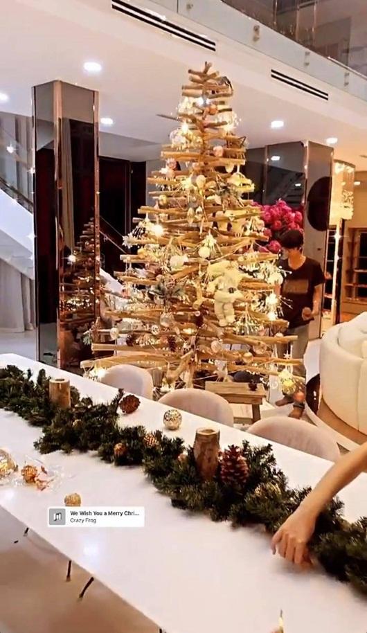 Tăng Thanh Hà hé lộ không gian Giáng sinh vừa ấm áp vừa đúng chất giàu sang quyền quý - Ảnh 7
