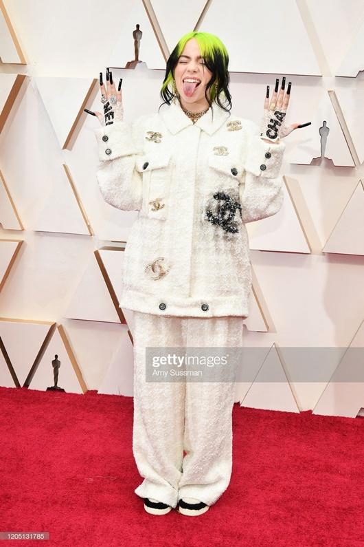 """Thảm đỏ Oscar 2020: Dàn sao """"Ký sinh trùng"""" rạng rỡ, Scarlett Johansson gợi cảm bên vị hôn phu - Ảnh 14"""