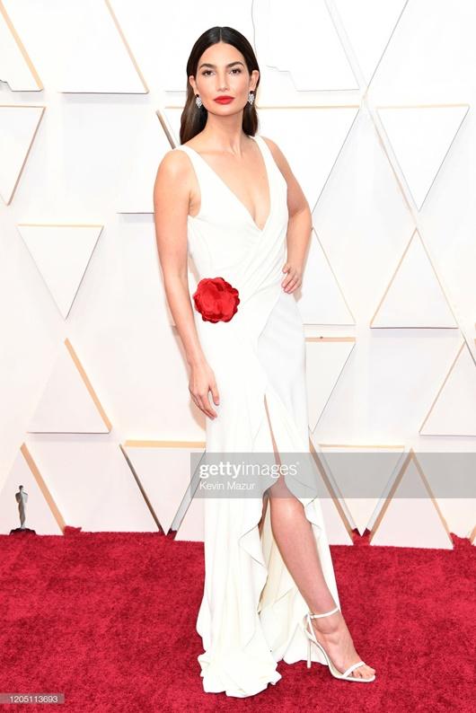 """Thảm đỏ Oscar 2020: Dàn sao """"Ký sinh trùng"""" rạng rỡ, Scarlett Johansson gợi cảm bên vị hôn phu - Ảnh 13"""