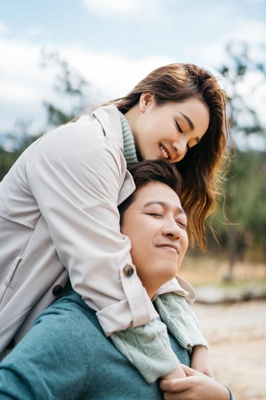 """Trường Giang - Nhã Phương tung bộ ảnh lãng mạn, ấm áp đúng chuẩn """"Valentine trong mơ"""" - Ảnh 6"""