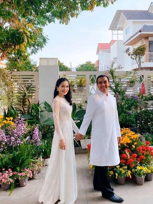 Sao Việt dịp Valentine 2020: Người khoe quà hàng hiệu, kẻ cô đơn lẻ bóng - Ảnh 5