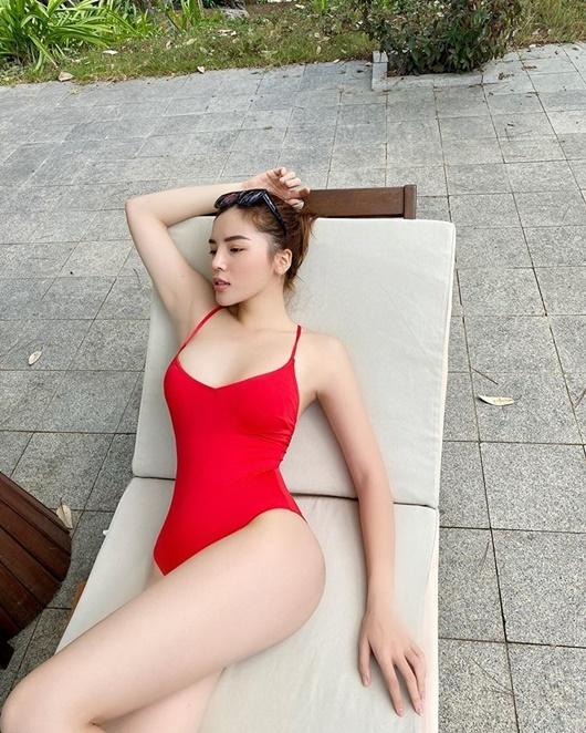 Hoa hậu Kỳ Duyên diện bikini đỏ rực khoe dáng quyến rũ ở Đà Lạt - Ảnh 5