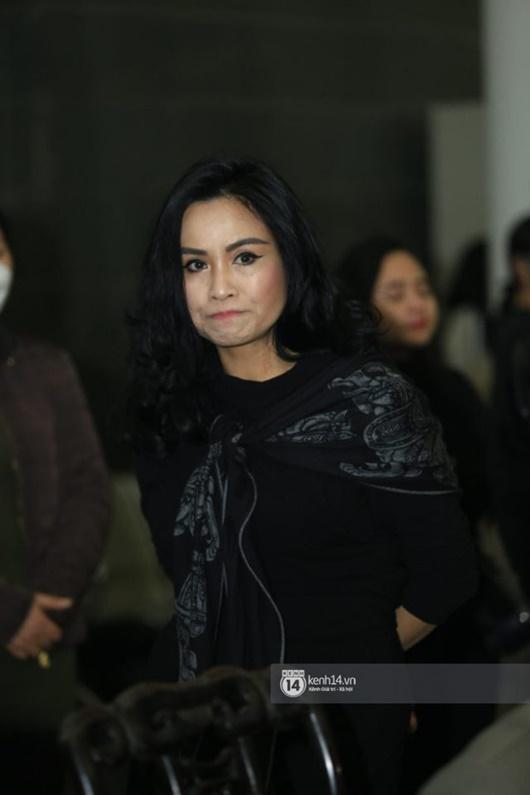 Dàn nghệ sĩ Việt đau buồn, bật khóc nức nở khi đến tiễn đưa NSƯT Vũ Mạnh Dũng - Ảnh 6