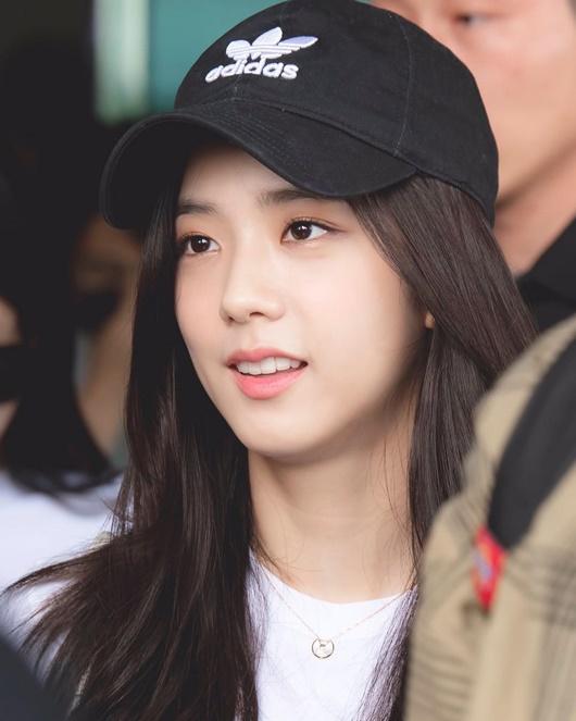 """Nhan sắc đời thường gây xao xuyến của """"nữ thần Kpop"""" Jisoo - Ảnh 6"""