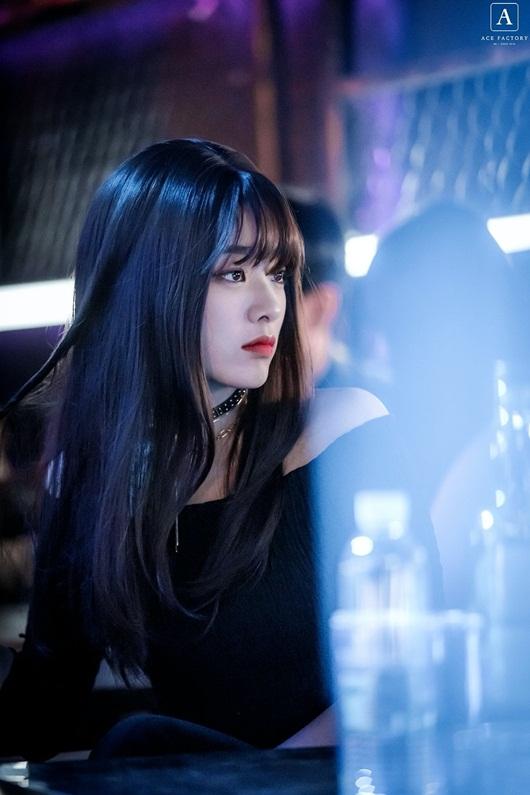 """Chỉ cần đổi kiểu tóc, nữ phụ """"Itaewon Class"""" đã khiến dân tình mê mệt vì khí chất ngời ngời - Ảnh 3"""