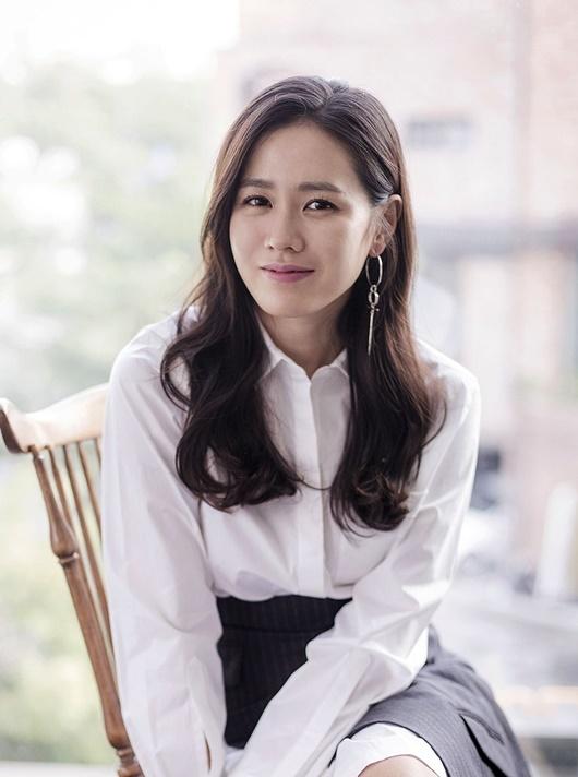 Son Ye Jin quyên góp hơn 82.000 USD cho quê nhà Daegu chống dịch Covid-19 - Ảnh 1