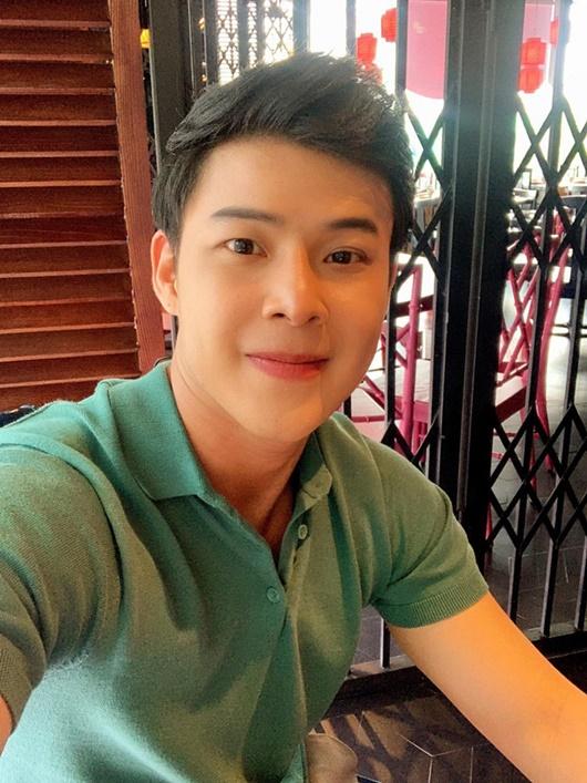 Hé lộ về người yêu đồng giới kém 8 tuổi, đẹp không thua hotboy của Don Nguyễn - Ảnh 6