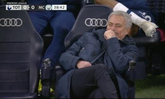 Tin tức thể thao mới nóng nhất ngày 3/2/2020: Mourinho cười tươi khi VAR cho Man City hưởng penalty - Ảnh 1