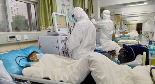 Một người Mỹ tử vong vì virus corona ở Vũ Hán - Ảnh 1
