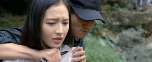 Tình yêu và tham vọng tập 1: Linh quỳ xuống trước mặt Phong cầu xin để thoát đi tù - Ảnh 2