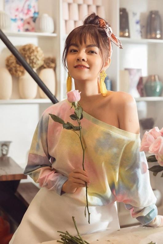 Phạm Quỳnh Anh thăng hạng nhan sắc lẫn vẻ gợi cảm sau khi ly hôn - Ảnh 7