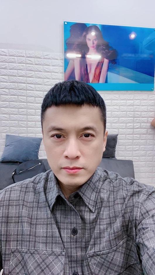 """Trúc Nhân và Lam Trường cùng bắt trend """"kiểu tóc Itaewon"""", kết quả khác nhau """"một trời một vực"""" - Ảnh 2"""