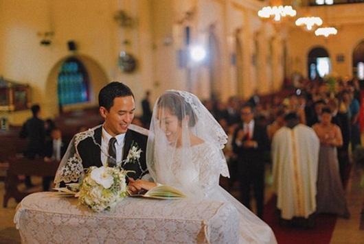 Ông xã Hà Tăng đăng ảnh nắm tay vợ vừa tình cảm vừa sang chảnh như trong phim - Ảnh 3