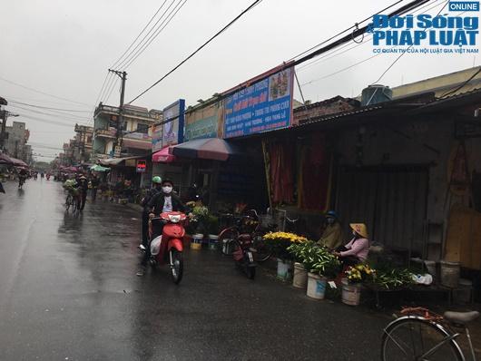 Đường phố vắng vẻ từ thành thị đến nông thôn, người dân nghiêm túc thực hiện cách ly xã hội - Ảnh 14