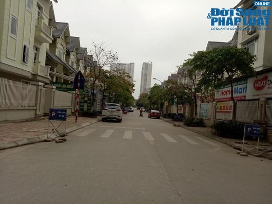 Đường phố vắng vẻ từ thành thị đến nông thôn, người dân nghiêm túc thực hiện cách ly xã hội - Ảnh 8