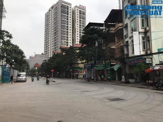 Đường phố vắng vẻ từ thành thị đến nông thôn, người dân nghiêm túc thực hiện cách ly xã hội - Ảnh 3