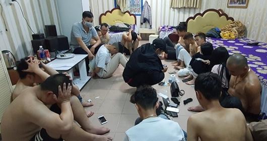Đà Lạt: Bắt giữ hơn 20 nam nữ tụ tập chơi ma túy trong khách sạn - Ảnh 1