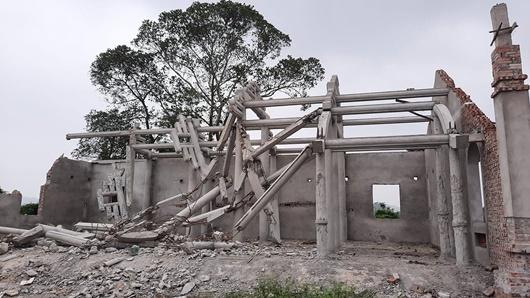 Nghệ An: Công an vào cuộc vụ dân tự ý phá dỡ chùa tiền tỷ xây dựng trong khu di tích - Ảnh 1