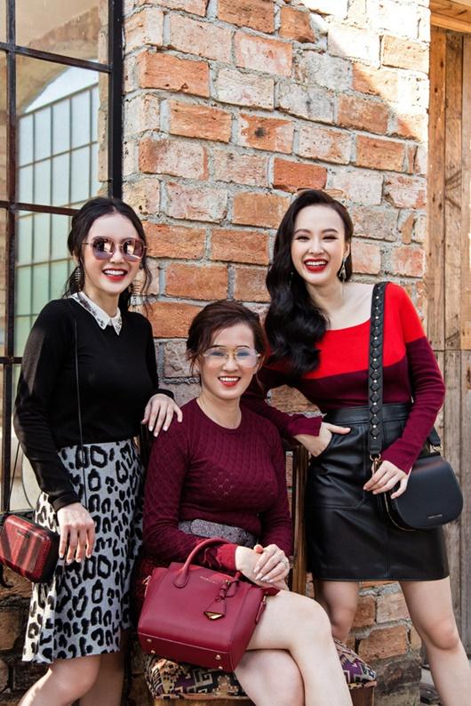 """Angela Phương Trinh khoe ảnh với mẹ và em gái, dân tình trầm trồ khen ngợi """"nhà có 3 mỹ nhân"""" - Ảnh 2"""