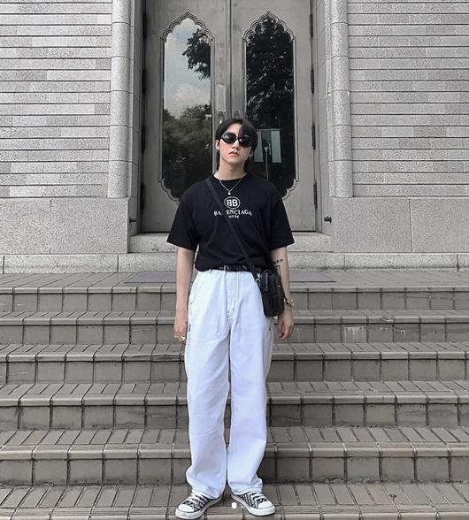 """Bí kíp diện trang phục """"ăn gian chiều cao"""" của Sơn Tùng M-TP - Ảnh 3"""