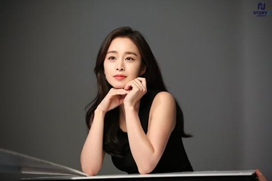 """Kim Tae Hee: Hành trình nhan sắc từ """"nữ thần đại học"""" đến bà mẹ hai con 40 tuổi vẫn còn nguyên sức hút - Ảnh 15"""