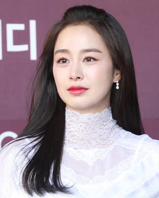 """Kim Tae Hee: Hành trình nhan sắc từ """"nữ thần đại học"""" đến bà mẹ hai con 40 tuổi vẫn còn nguyên sức hút - Ảnh 14"""