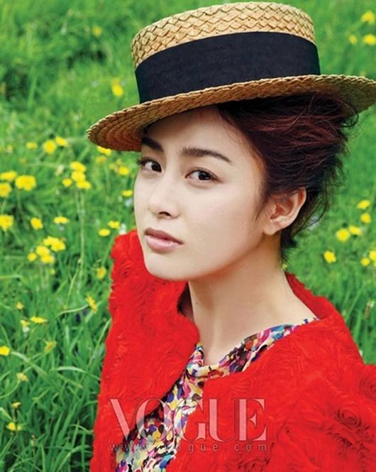 """Kim Tae Hee: Hành trình nhan sắc từ """"nữ thần đại học"""" đến bà mẹ hai con 40 tuổi vẫn còn nguyên sức hút - Ảnh 8"""