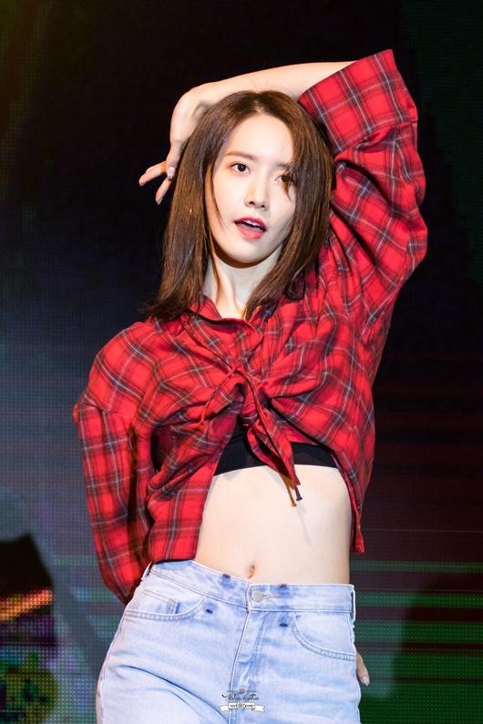 """3 nữ idol có vòng eo """"con kiến"""" đáng ngưỡng mộ nhất Kpop, diện crop-top khiến fan mê mẩn - Ảnh 9"""
