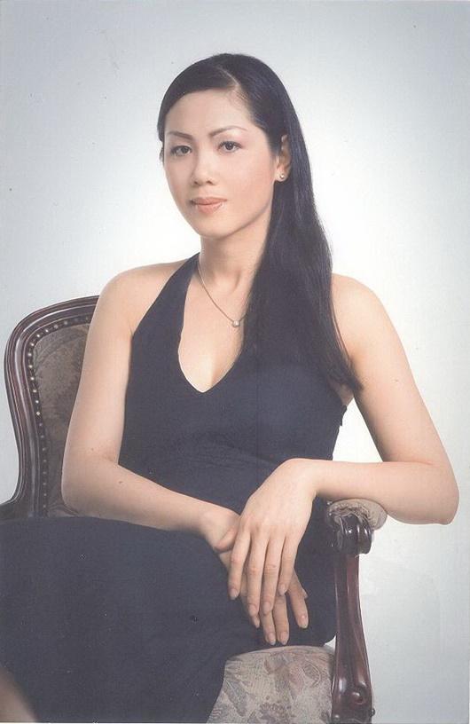 Cuộc sống của người đẹp cùng thời Hà Kiều Anh, bỏ showbiz để làm tiếp viên hàng không - Ảnh 3