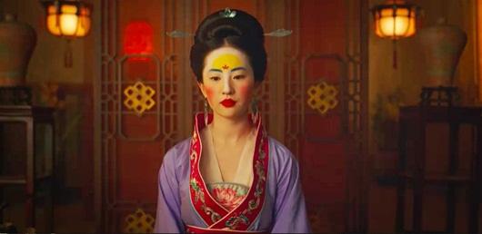 """Phát hoảng với tạo hình """"dìm hàng"""" mỹ nhân Hoa ngữ, đẹp như Lưu Diệc Phi cũng không thoát - Ảnh 4"""