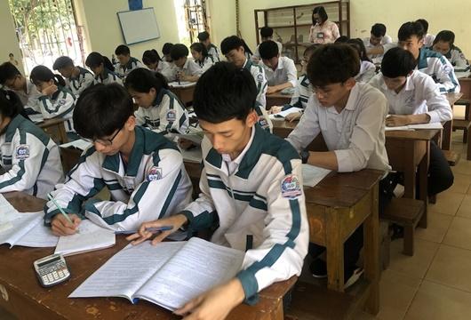 Bộ GD&ĐT công bố bộ đề thi tham khảo kỳ thi THPT Quốc gia năm 2020 - Ảnh 1