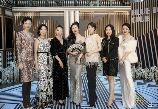 Cuộc sống sang chảnh, du lịch khắp nơi của vợ chủ tịch Taobao trước khi phát hiện chồng ngoại tình - Ảnh 2