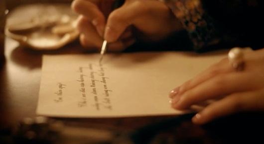 Câu chuyện tình đẫm nước mắt có thật được Hòa Minzy tái hiện trong MV hoành tráng vừa ra mắt - Ảnh 3