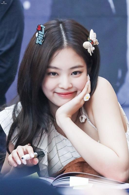 Top 10 mỹ nhân đẹp nhất châu Á 2020: Tân binh Kpop người Nhật thăng hạng, đứng đầu là cái tên quen thuộc - Ảnh 3