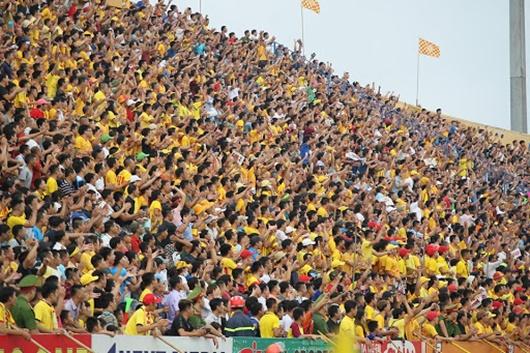 Tin tức thể thao mới nóng nhất ngày 23/5/2020: Hàng ngàn khán giả vào sân xem trận Nam Định vs HAGL - Ảnh 1