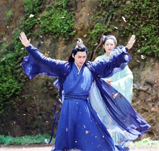 """Lý Dịch Phong lần đầu lộ ảnh trong """"Kính Song Thành"""": Tạo hình tiên khí, đẹp trai """"ngút ngàn"""" khiến fan mê mệt - Ảnh 7"""