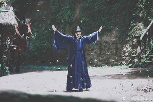 """Lý Dịch Phong lần đầu lộ ảnh trong """"Kính Song Thành"""": Tạo hình tiên khí, đẹp trai """"ngút ngàn"""" khiến fan mê mệt - Ảnh 8"""