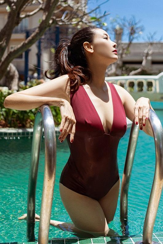 Hoa hậu Hà Kiều Anh diện bikini khoe thân hình nóng bỏng ở tuổi U50 - Ảnh 7