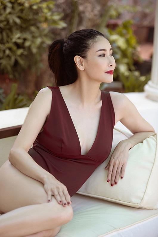 Hoa hậu Hà Kiều Anh diện bikini khoe thân hình nóng bỏng ở tuổi U50 - Ảnh 8