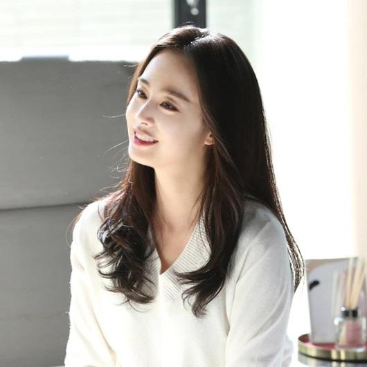 """Dư luận xứ Hàn dậy sóng vì Kim Tae Hee cùng sàn sao """"khủng"""" bị nghi trốn thuế - Ảnh 2"""