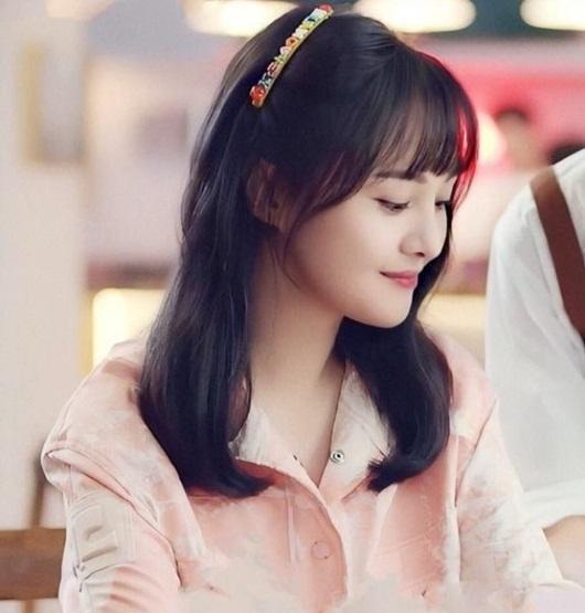 """Nhan sắc thanh thuần, đầy rung động của Trịnh Sảng năm 18 tuổi """"gây bão"""" Weibo - Ảnh 7"""