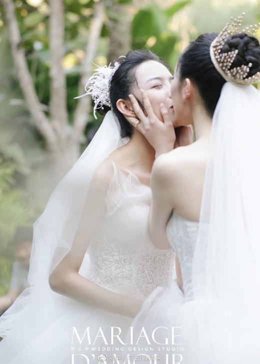 """Lễ cưới đồng tính đẹp như cổ tích của học trò """"Mai Siêu Phong"""" khiến dân mạng Cbiz xôn xao - Ảnh 8"""