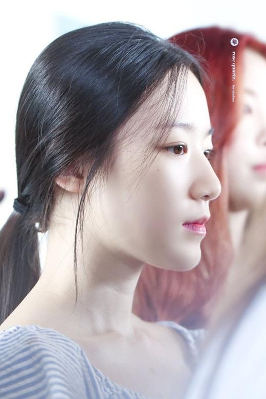 """Choáng ngợp với diện mạo đàn em Kpop đe dọa danh hiệu """"nữ hoàng mặt mộc"""" của Suzy - Ảnh 6"""