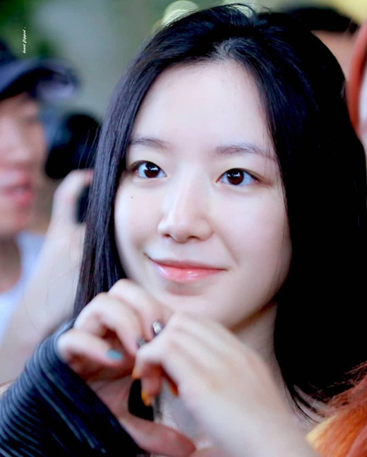 """Choáng ngợp với diện mạo đàn em Kpop đe dọa danh hiệu """"nữ hoàng mặt mộc"""" của Suzy - Ảnh 3"""