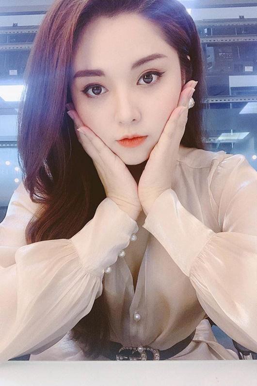 Hình ảnh xinh đẹp của MC Diệu Linh dù phải chống chọi với bệnh ung thư máu quái ác - Ảnh 7