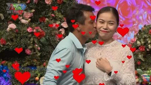 """Cô gái mang """"sớ"""" đến show hẹn hò tìm bạn trai, Quyền Linh thốt lên: """"Kiếm chồng mà có một cuốn vậy mệt lắm"""" - Ảnh 3"""