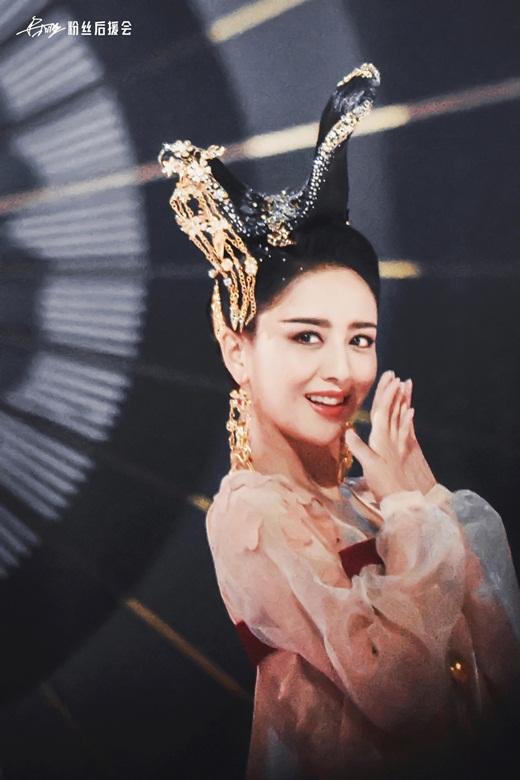 """Top mỹ nhân cổ trang Hoa ngữ: Đồng Lệ Á - Người đẹp Tân Cương duy nhất khiến công chúng biết thế nào là """"phong hoa tuyệt đại"""" - Ảnh 4"""