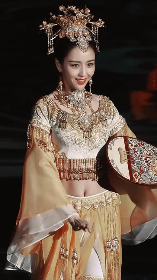 """Top mỹ nhân cổ trang Hoa ngữ: Đồng Lệ Á - Người đẹp Tân Cương duy nhất khiến công chúng biết thế nào là """"phong hoa tuyệt đại"""" - Ảnh 6"""