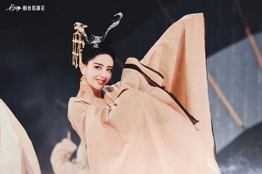 """Top mỹ nhân cổ trang Hoa ngữ: Đồng Lệ Á - Người đẹp Tân Cương duy nhất khiến công chúng biết thế nào là """"phong hoa tuyệt đại"""" - Ảnh 2"""